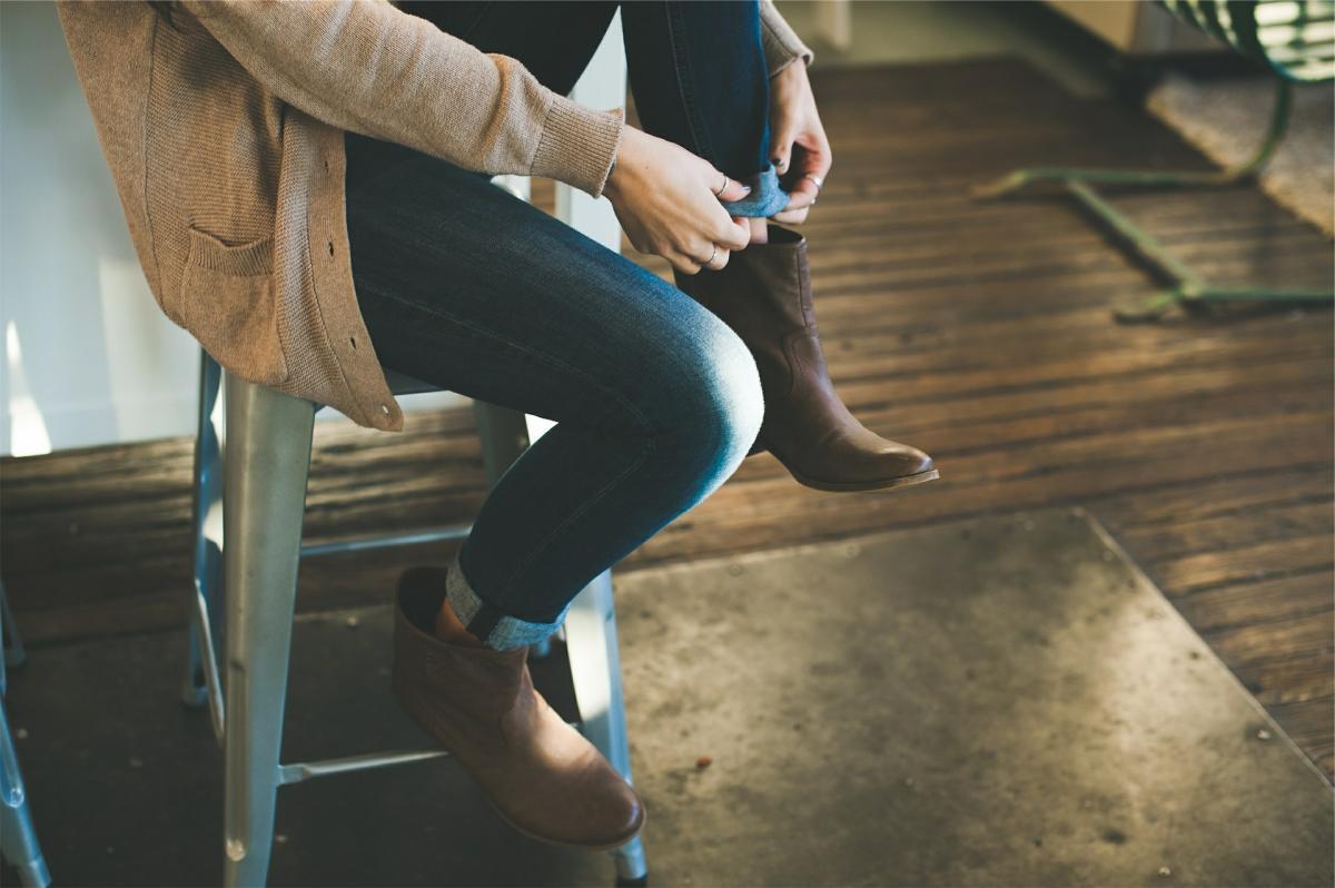 Image result for Kad dođemo u goste, moramo li doista izuti cipele?