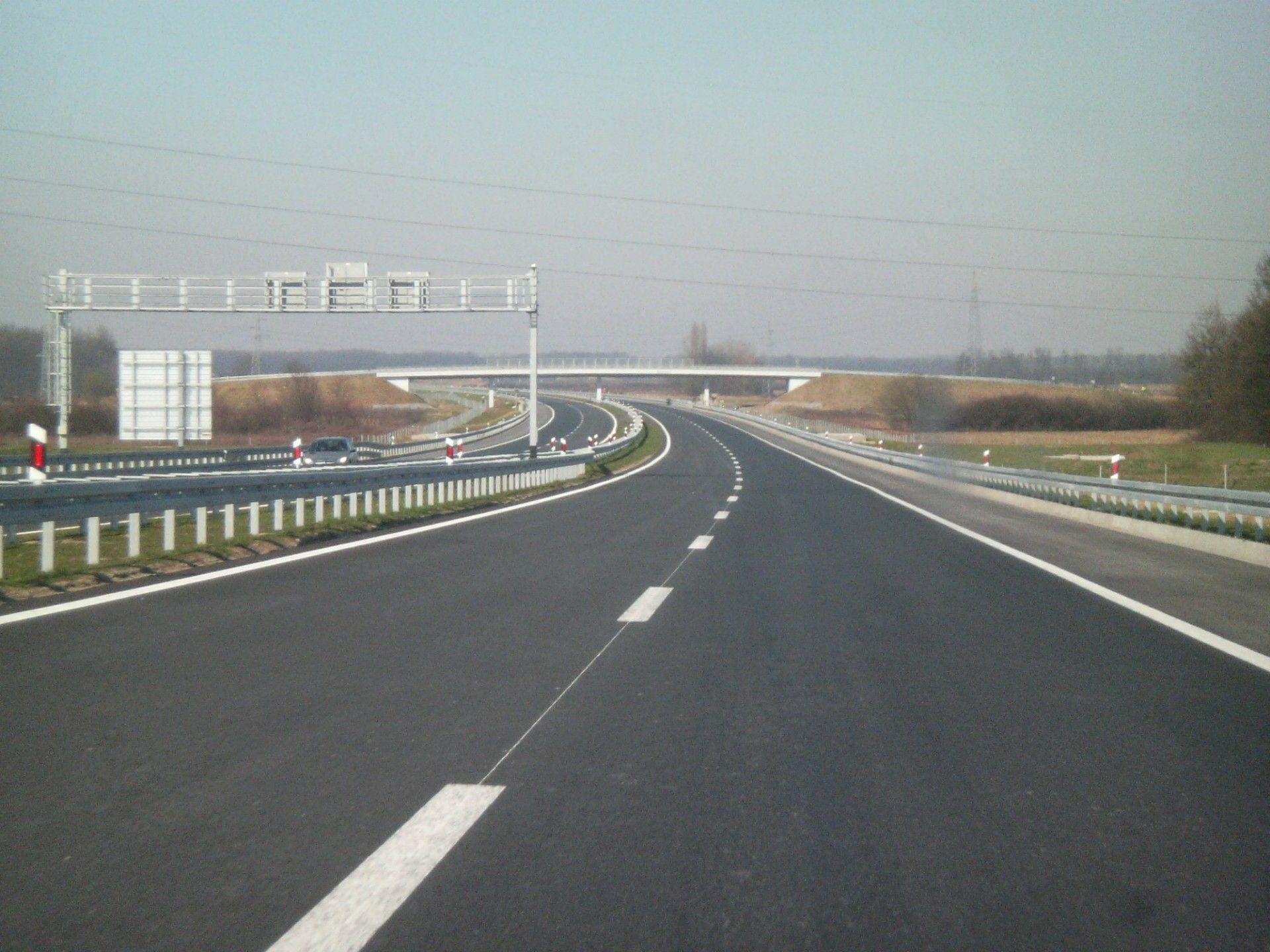 HRVATSKE CESTE Kontrola cesta specijalnim vozilom: Pri brzini od 100 km h laseri će provjeravati svaki milimetar